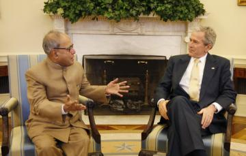 bush meets pranab mukherjee